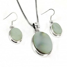 Stylish 925 Sterling Silver Mother Of Pearl Pendant and Earrings Set