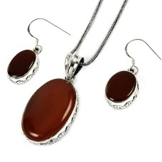 Beautiful 925 Sterling Silver Carnelian Gemstone Pendant and Earrings Set