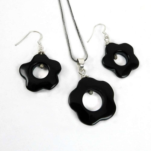 Charming 925 Sterling Silver Black Onyx Gemstone Pendant and Earrings Set