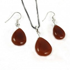 Scrumptious 925 Sterling Silver Carnelian Gemstone Pendant and Earrings Set