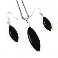 Lustrous 925 Sterling Silver Black Onyx Gemstone Pendant and Earring Set