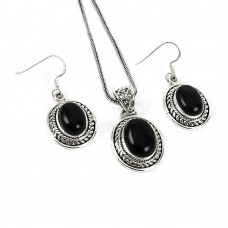 Personable 925 Sterling Silver Black Onyx Gemstone Pendant and Earrings Set