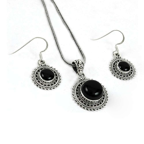 Classic 925 Sterling Silver Black Onyx Gemstone Pendant and Earrings Set