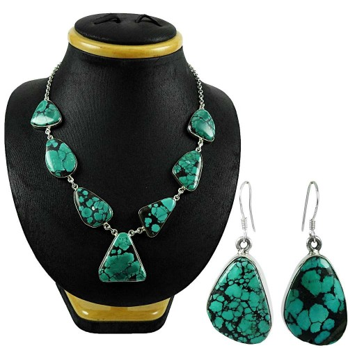 Excellent 925 Sterling Silver Turquoise Gemstone Necklace and Earrings Set