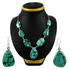 Beautiful 925 Sterling Silver Turquoise Gemstone Necklace and Earrings Set