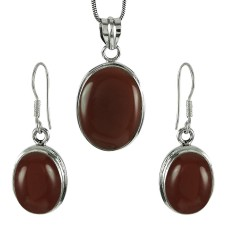 Charming 925 Sterling Silver Carnelian Gemstone Pendant and Earrings Set