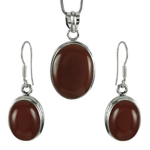 Charming 925 Sterling Silver Carnelian Gemstone Pendant and Earrings Set