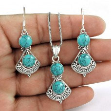 Handy 925 Sterling Silver Turquoise Gemstone Pendant and Earrings Set