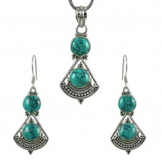 Pleasing 925 Sterling Silver Turquoise Gemstone Pendant and Earrings Set