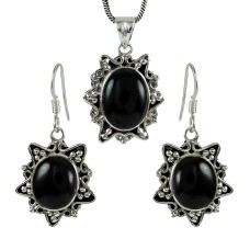 Scrumptious 925 Sterling Silver Black Onyx Gemstone Pendant and Earrings Set