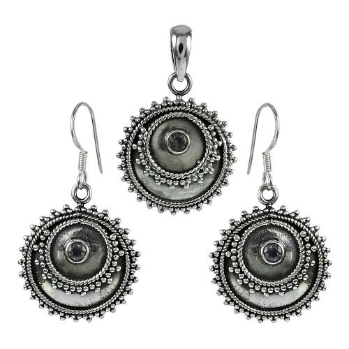 Pleasing 925 Sterling Silver Amethyst Gemstone Pendant and Earrings Set