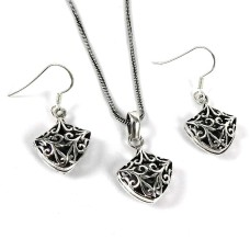 Personable 925 Sterling Silver Pendant and Earrings Set Handmade Silver Jewellery