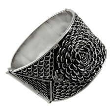 Kiss! Handmade 925 Sterling Silver Bangle