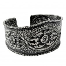 Kiss!! 925 Sterling Silver Bangle