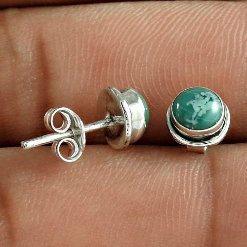 Tempting 925 Sterling Silver Turquoise Gemstone Stud Earring