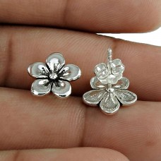 Melodious Solid 925 Sterling Silver Flower Earring