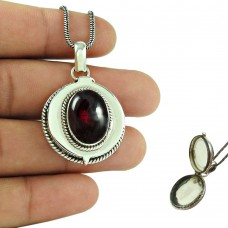 Natural Red Garnet Gemstone 925 Sterling Silver Pendant Antique Jewellery