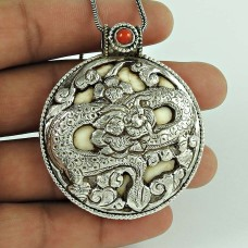 Big Love's Victory !! 925 Sterling Silver Coral Pendant
