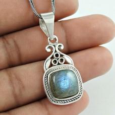 Spectacular Design 925 Sterling Silver Labradorite Pendant