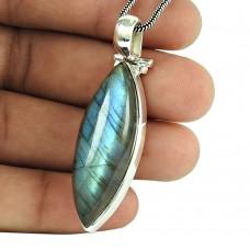 Beautiful Labradorite Gemstone 925 Sterling Silver Pendant Jewellery