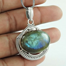 Passionate Modern Style Of 925 Sterling Silver Labradorite Pendant Wholesale