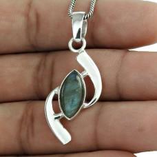 Lovely !! 925 Sterling Silver Blue Labradorite Pendant