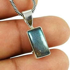 Sightly Labradorite Gemstone Indian Sterling Silver Pendant Jewellery