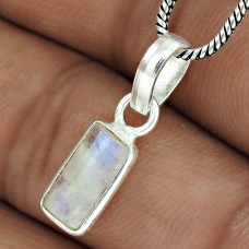 Beautiful 925 Sterling Silver Rainbow Moonstone Pendant Jewelry