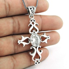 New Fashion Design 925 Sterling Silver White C.Z Cross Pendant