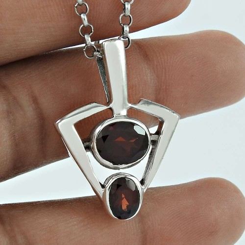 Pretty Garnet Gemstone 925 Sterling Silver Pendant Jewellery Mayorista