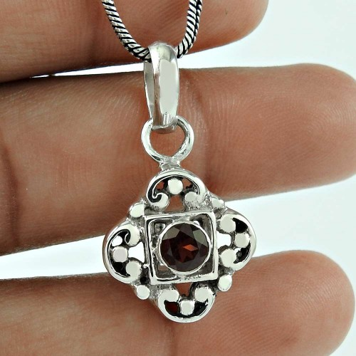 Rare Garnet Gemstone 925 Sterling Silver Fashion Pendant Jewellery