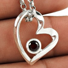 Great Collection 925 Sterling Silver Garnet Gemstone Heart Pendant