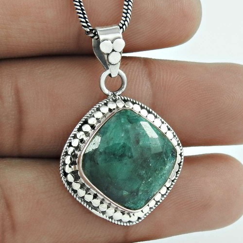 Bold Vintage Energetic !! 925 Sterling Silver Emerald Pendant Manufacturer
