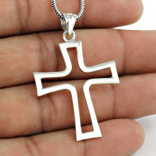 Gorgeous 925 Sterling Silver Cross Pendant
