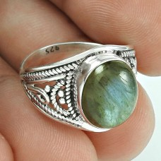 Easeful Labradorite Gemstone Silver Jewellery Ring