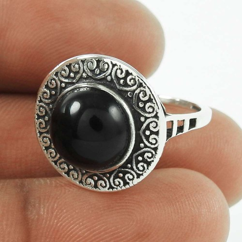 Very Delicate Black Onyx Gemstone 925 Sterling Silver Ring