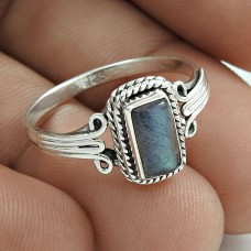 Dainty 925 Sterling Silver Labradorite Gemstone Ring Size 8 Vintage Jewelry F85