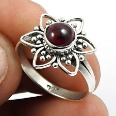 Garnet Gemstone Flower Ring 925 Sterling Silver Handmade Indian Jewelry Z65
