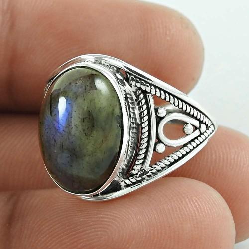 Lovely! 925 Silver Labradorite Gemstone Ring