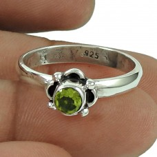 Graceful Peridot Gemstone Ring 925 Silver Jewellery