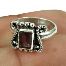 Lustrous Garnet Gemstone Ring 925 Sterling Silver Fashion Jewellery