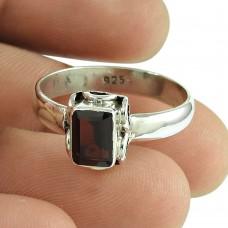 Party Wear Garnet Gemstone Ring Sterling Silver Fashion Jewellery Fabricant