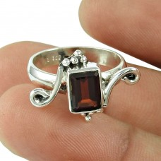 Amusable Garnet Gemstone Ring 925 Sterling Silver Jewellery Proveedor