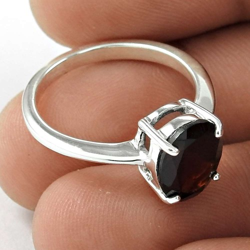 Lovely 925 Sterling Silver Garnet Gemstone Ring Vintage Jewelry