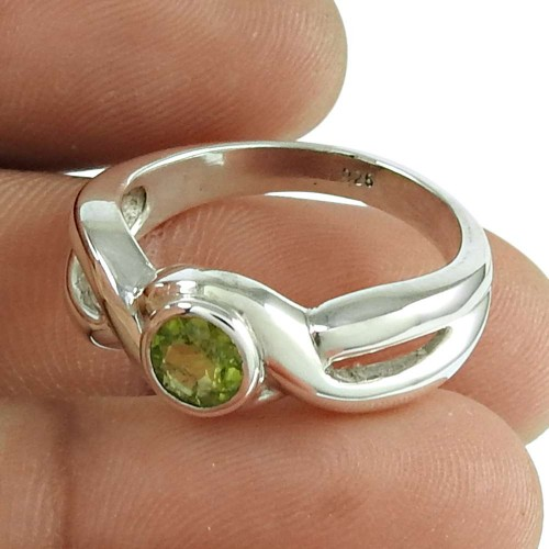 Engaging peridot Gemstone Ring 925 Sterling Silver Jewellery