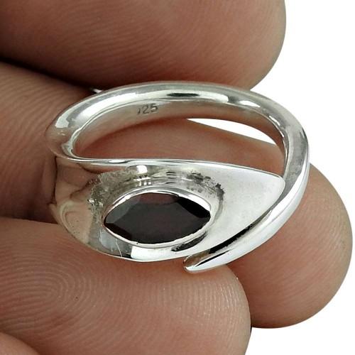 Lovely 925 Silver Garnet Ring